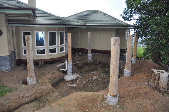 Six Hut Columns Installed - Kinda like Stonehenge